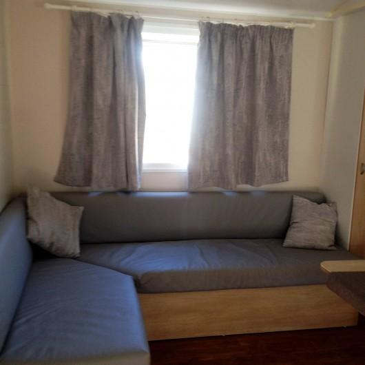 Location de vacances - Bungalow - Mobilhome à Sigean - séjour ( canapé convertible)