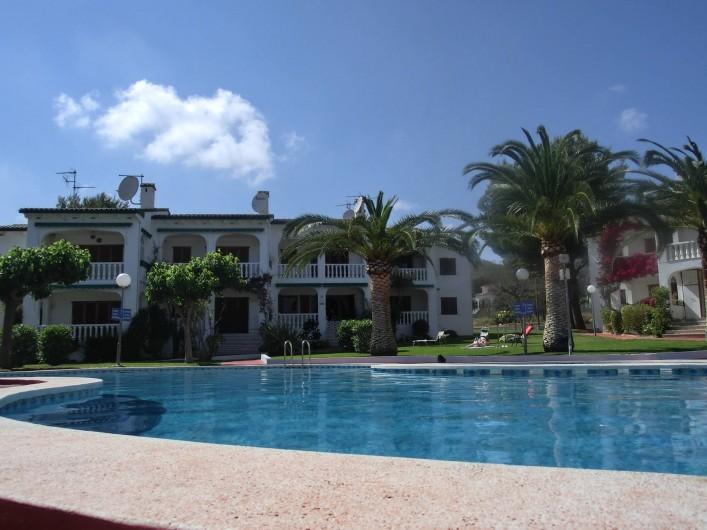Location de vacances - Appartement à Alcossebre - APPARTEMENT EN REZ DE JARDIN EN FACE DE LA PISCINE