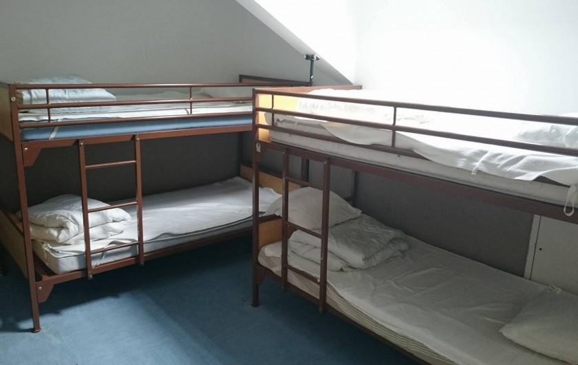 Location de vacances - Centre de vacances à Agon-Coutainville - Chambre à quatre lits
