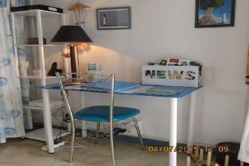 Location de vacances - Villa à Rivedoux-Plage - Wi-fi, téléphone et documentation.