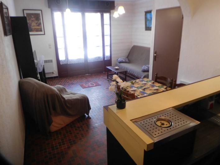 Location de vacances - Maison - Villa à Andernos-les-Bains - SEJOUR VU DES ESCALIERS