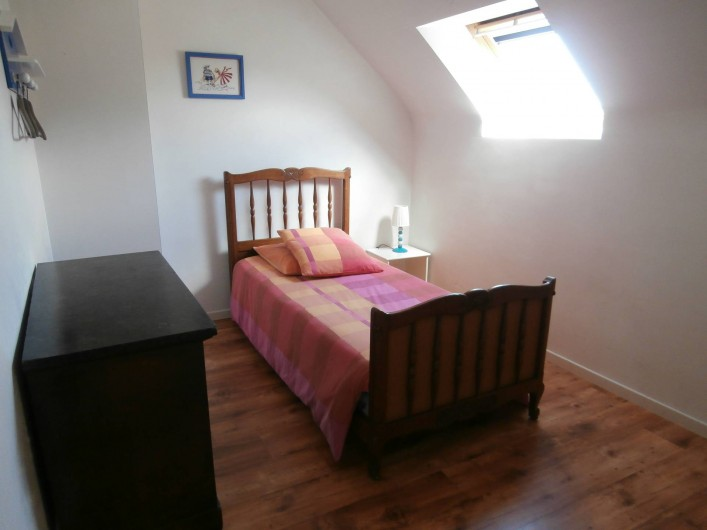 Location de vacances - Gîte à Quimperlé - Chambre avec lit 90 x 190