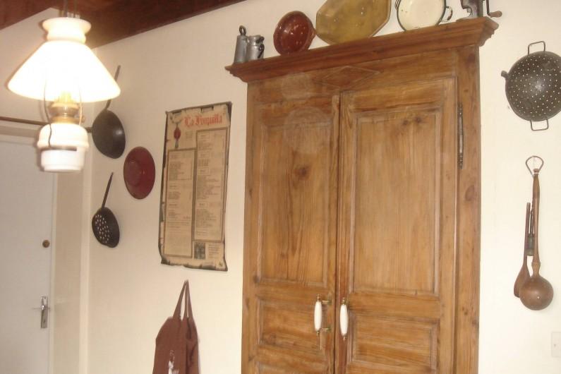 Location de vacances - Chalet à Corrençon-en-Vercors - Placard cuisine