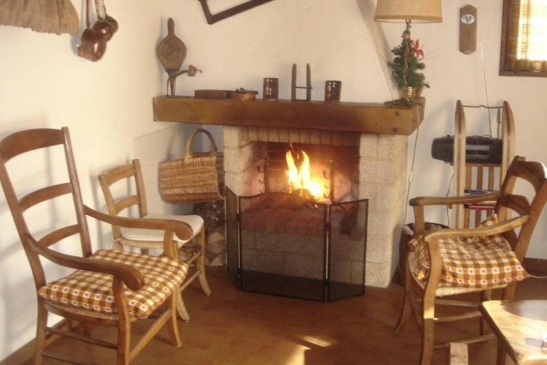Location de vacances - Chalet à Corrençon-en-Vercors - Coin cheminée