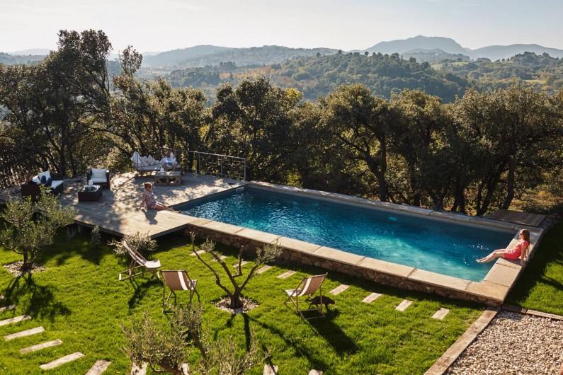 Location de vacances - Chambre d'hôtes à Lacoste - La piscine