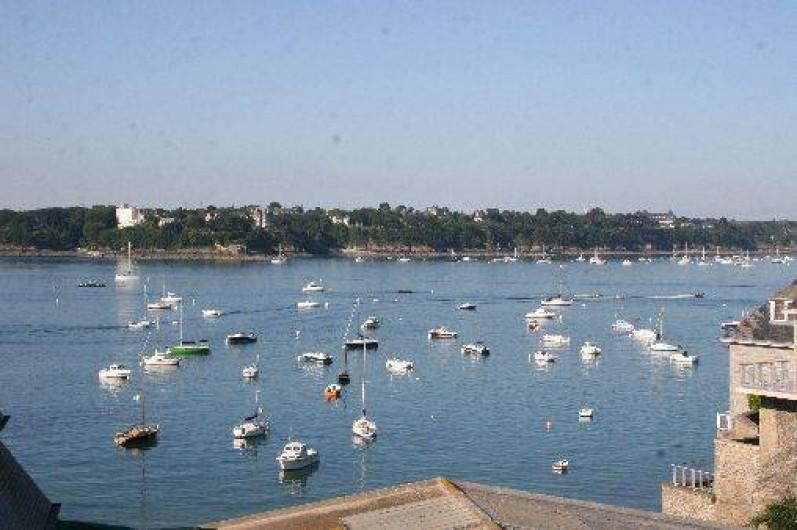Location de vacances - Appartement à Saint-Malo - Vue mer du salon