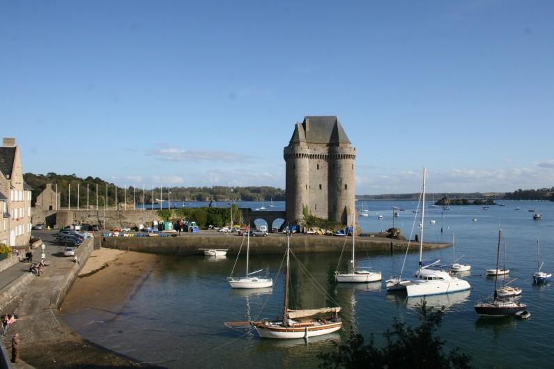 Location de vacances - Appartement à Saint-Malo - La tour Solidor à une encablure