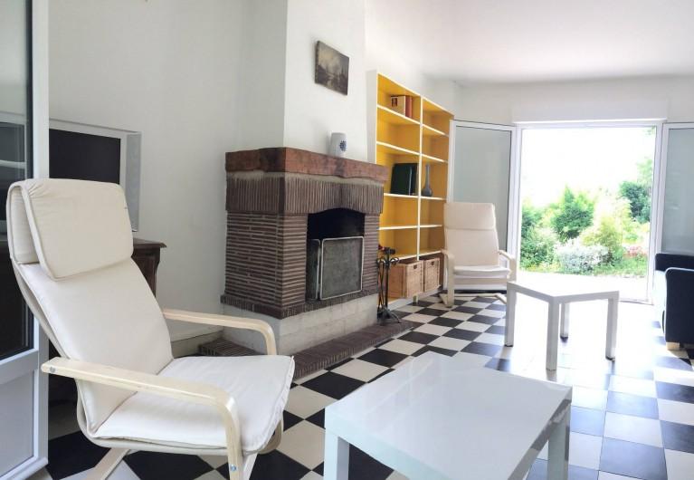 Location de vacances - Maison - Villa à Dieppe - Le salon donne sur le jardin