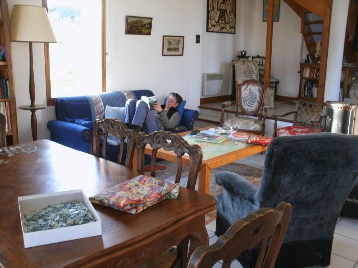 Location de vacances - Chalet à Uzer - Séjour