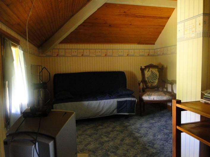 Location de vacances - Chalet à Uzer - Chambre 3 (8 m2)