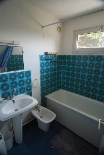 Location de vacances - Appartement à La Ciotat - Salle de bain