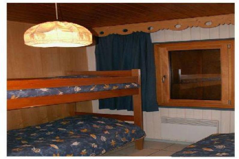 Location de vacances - Chalet à Xonrupt-Longemer - Chambre avec 3 lits de 80/190 (dont 2 superposés)