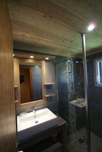 Location de vacances - Chalet à Xonrupt-Longemer - Salle de bains à l'italienne