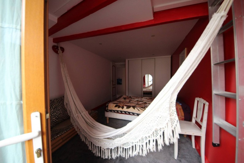 Location de vacances - Villa à Aubervilliers - Chambre 1 lit double et hamac