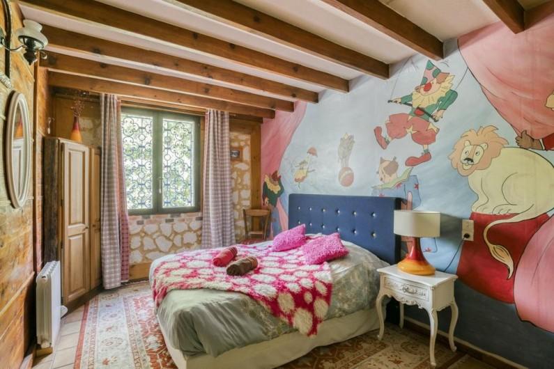 Location de vacances - Villa à Souillac - chambre avec fresque