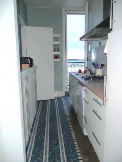 Location de vacances - Appartement à Dinard - cuisine
