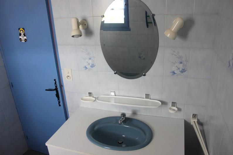 Location de vacances - Maison - Villa à Rosières - salle de bain