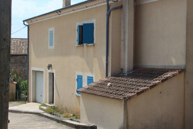 Location de vacances - Maison - Villa à Rosières - vue nord (entrée du gîte)