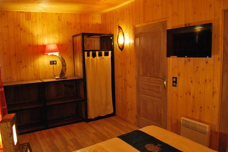 Location de vacances - Insolite à Hermival-les-Vaux - Suite Parentale avec salle de bain privative Lodges Premium