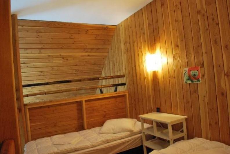 Location de vacances - Insolite à Hermival-les-Vaux - Mezzanine avec lits twins Lodges et Lodges Premium
