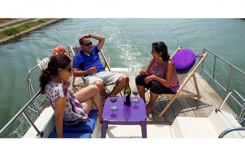 Location de vacances - Péniche à Sète - Des moments conviviaux à bord.
