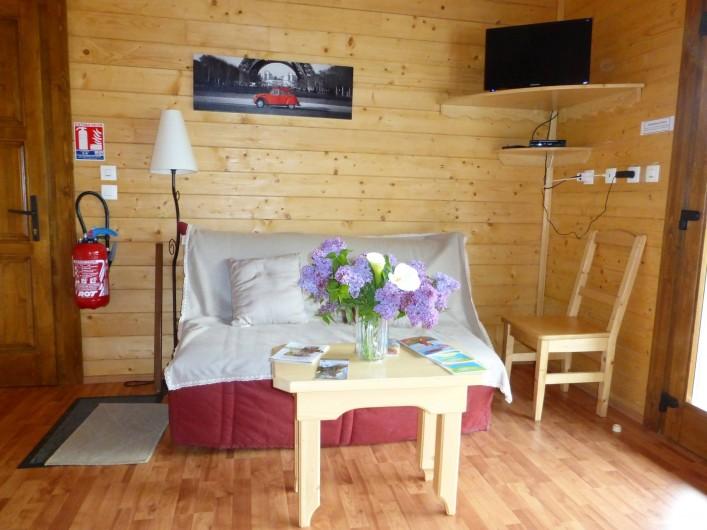 Location de vacances - Chalet à Pompiey - coin repos 2