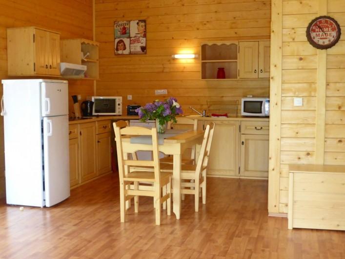 Location de vacances - Chalet à Pompiey - cuisine équipée