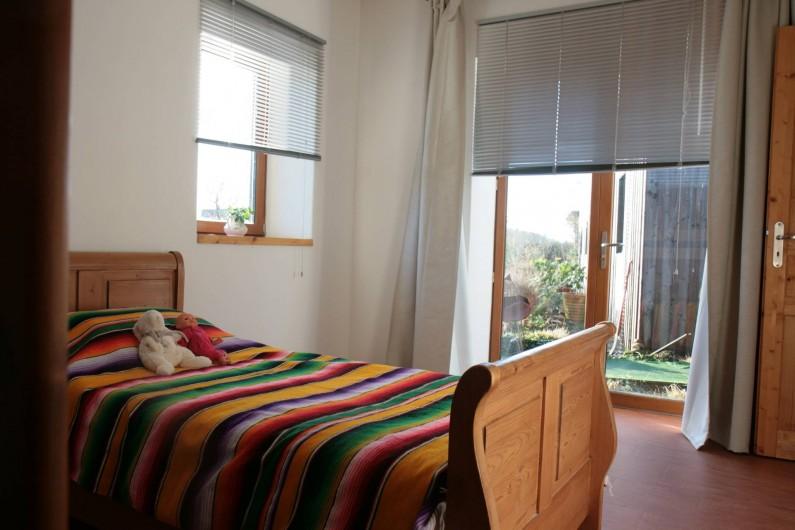 Location de vacances - Gîte à La Chapelle-aux-Filtzméens - Maison de la passerelle Chambre des enfants 16 m2