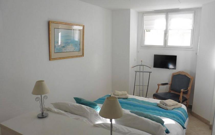 Location de vacances - Appartement à Cannes - Chambre lit double avec TV