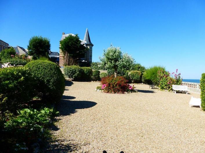 Location de vacances - Appartement à Villerville - jardin terrasse privatif