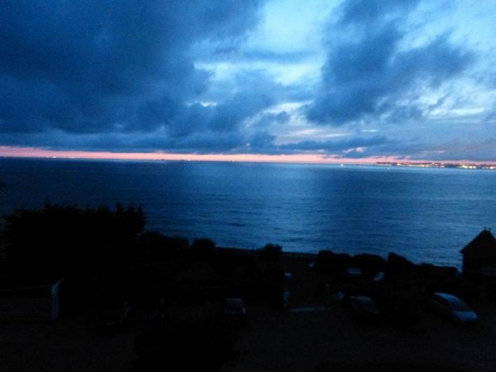 Location de vacances - Appartement à Villerville - coucher du soleil vue de l appartement
