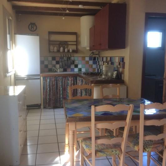 Location de vacances - Chambre d'hôtes à Villelaure - la cuisine du studio