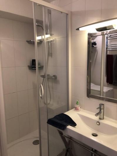 Location de vacances - Studio à Port-Deauville - Salle de douche design