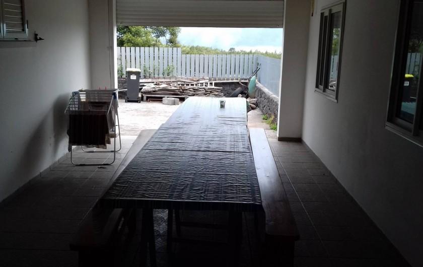 Location de vacances - Villa à La Plaine des Cafres - Salle à côté de la cuisine au feu de bois