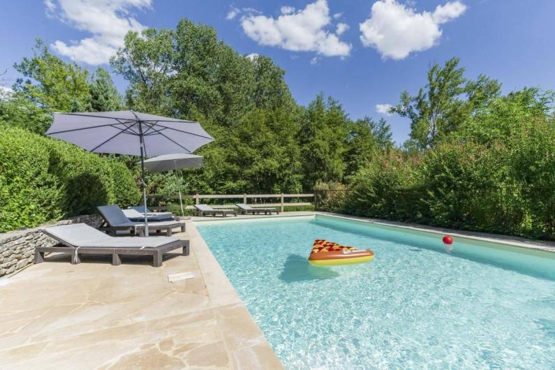 Location de vacances - Villa à Vezac - Piscine cloturée