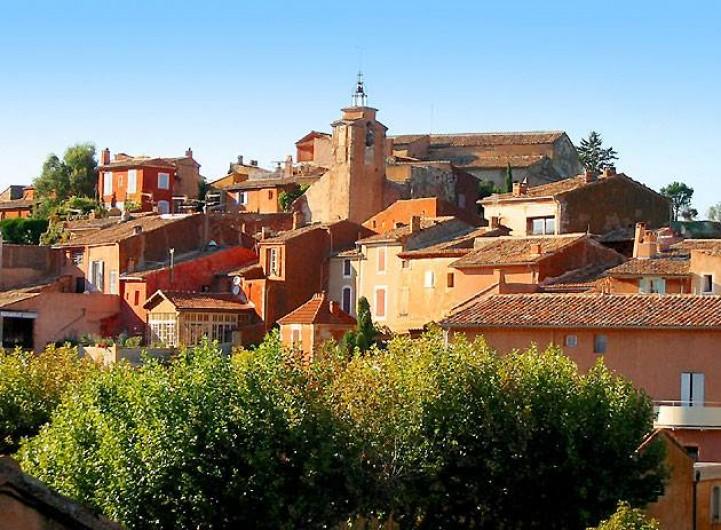 Location de vacances - Gîte à Mollégès - le village de Roussillon