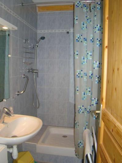 Location de vacances - Villa à Aureille - cabinet de toilette