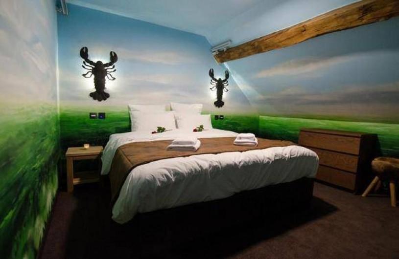 Location de vacances - Hôtel - Auberge à Anhée - A la poursuite du Diamant vert  - lit sur la mezzanine