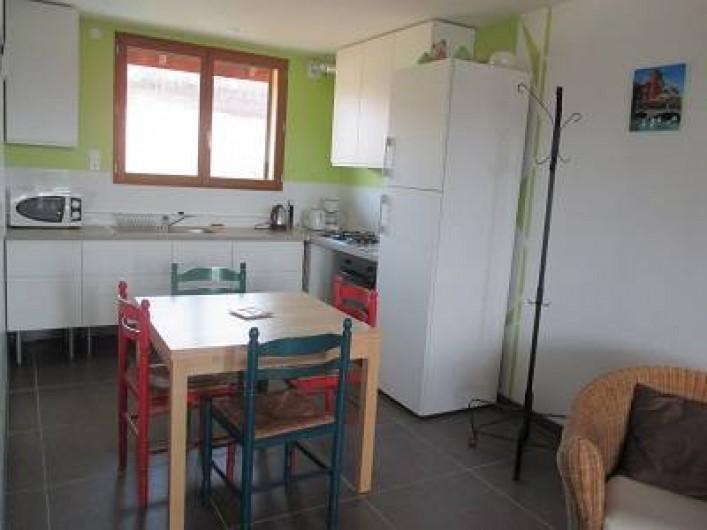 Location de vacances - Maison - Villa à Annecy - Gite n°2 Cuisine ouverte sur salon