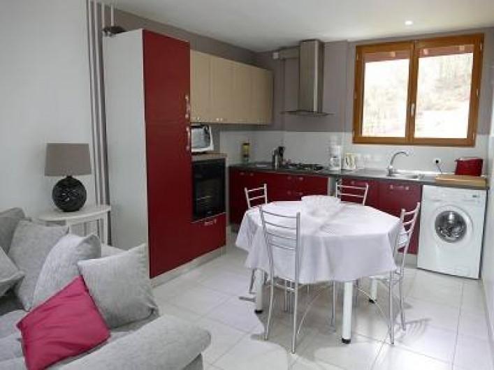Location de vacances - Maison - Villa à Annecy - Gite n° 1 Cuisine ouverte sur salon