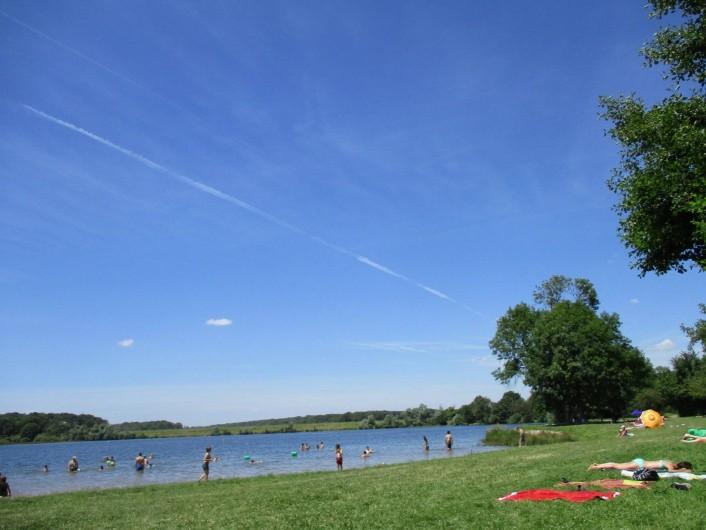 Location de vacances - Maison - Villa à La Collancelle - Espace baignade aux étangs de Baye - 800m de la maison