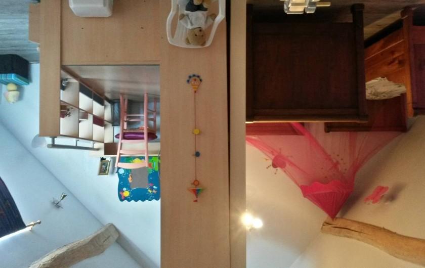 Location de vacances - Maison - Villa à La Collancelle - Salle à manger agréable donnant sur l'escalier de la chambre enfant