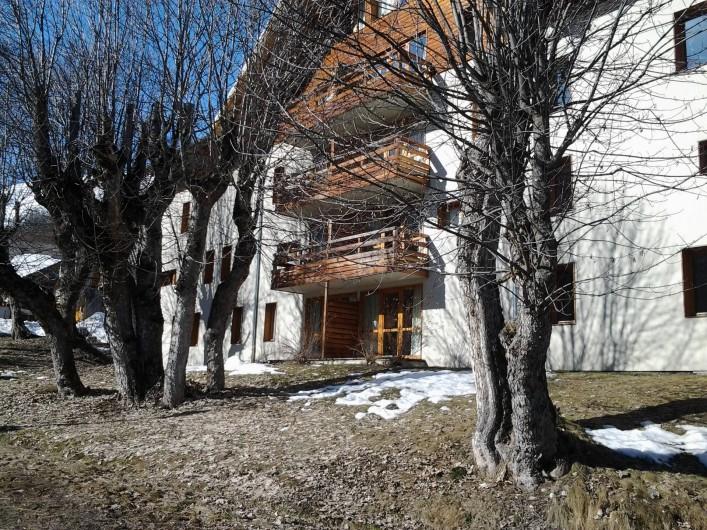 Location de vacances - Appartement à Valloire - balcon 1er étage à gauche  soleil levant