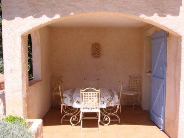 Location de vacances - Villa à Hyères - Loggia