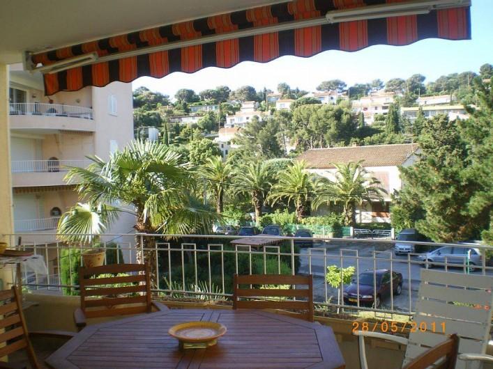 Location de vacances - Appartement à Cavalaire-sur-Mer - vue terrasse