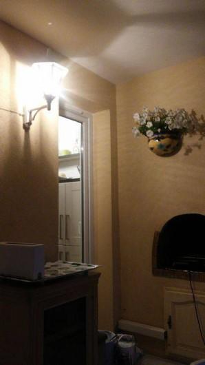 Location de vacances - Appartement à Cavalaire-sur-Mer - porte avec autre accès terrasse par la cuisine