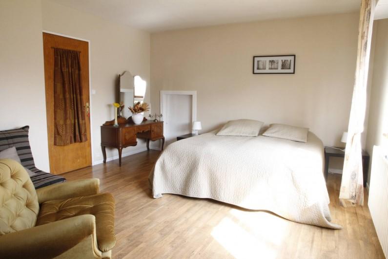 Location de vacances - Chambre d'hôtes à Monswiller - Chambre 1:  Version lit King Size:  200x200 avec sommier électrique
