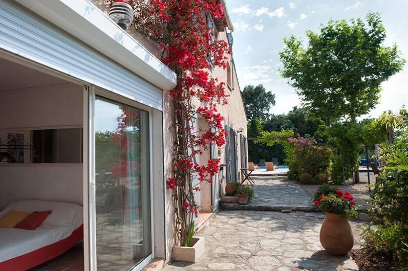 Location de vacances - Villa à Les Issambres - exterieur du studio