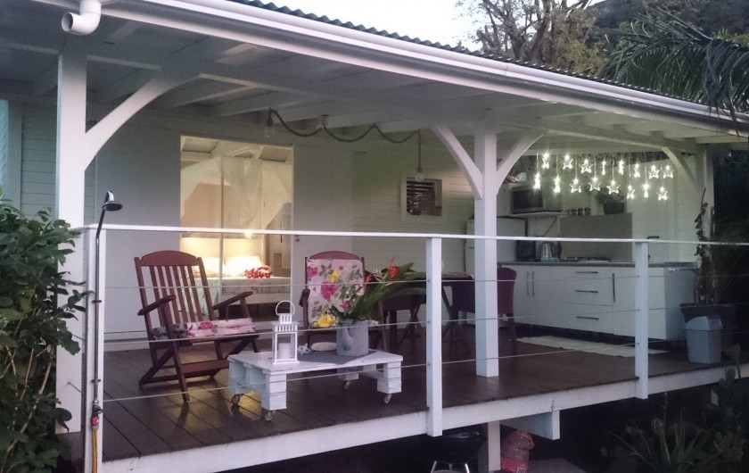 Location de vacances - Maison - Villa à Le Diamant - Terrasse vue du jardin privatif avec barbecue