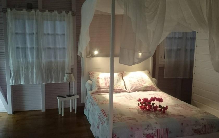 Location de vacances - Maison - Villa à Le Diamant - Le soir, 2 petites liseuses